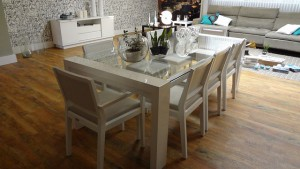 dining-table-647008_640