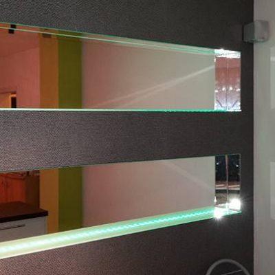 Glas und Spiegel nach Maß -  für die Küche oder im Essbereich - Glas Moor
